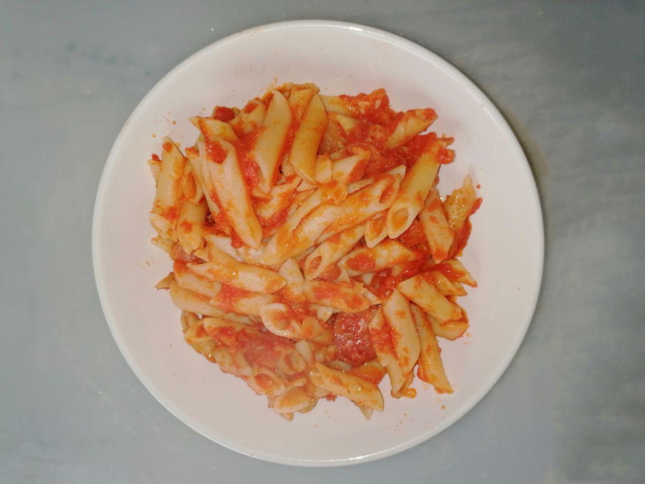 macarrones con tomate y chorizo en mambo