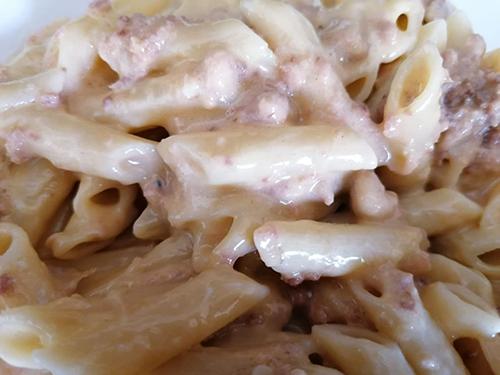Ensalada de pasta con atún y alioli en Mambo